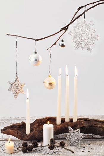 χριστουγεννιάτικη διακόσμηση με κλαδιά δένδρων