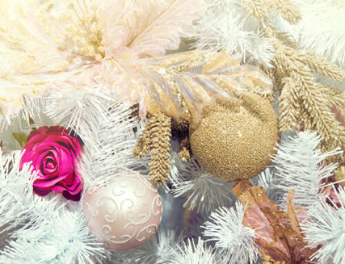 Λουλούδια στο χριστουγεννιάτικο δέντρο!