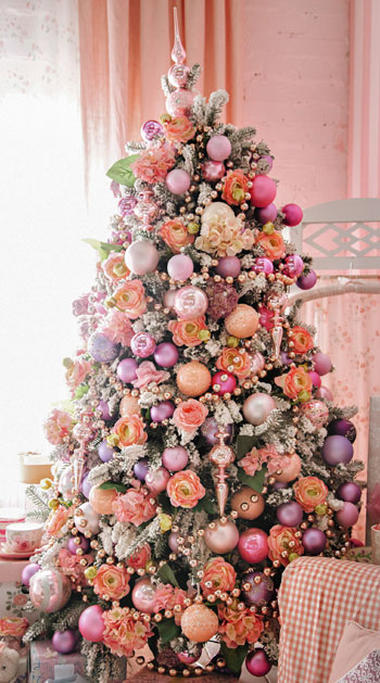 ροζ χριστουγεννιάτικο δένδρο