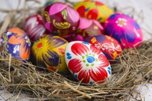 Τα βαμμένα αυγά πρωταγωνιστούν στην πασχαλινή διακόσμηση