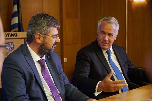 Ο νέος πρόεδρος του ΙΓΕ Νίκος Θυμάκης με τον Υπουργό Αγροτικής Ανάπτυξης και Τροφίμων