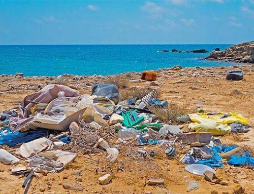 Όχι πλαστικά σε θάλασσες και ακτές